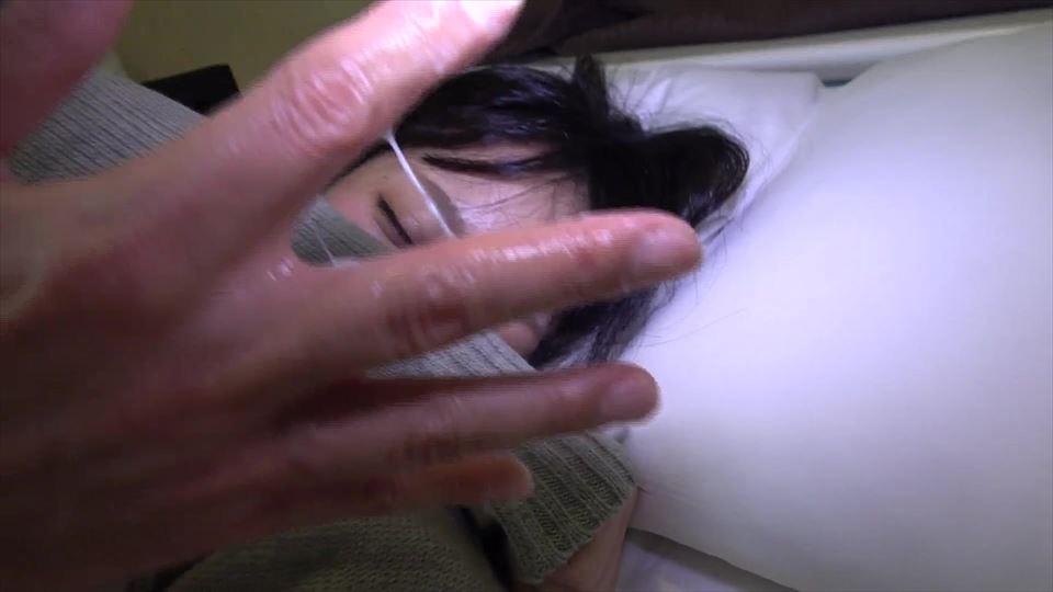 顔出し♥処女喪失から1か月…まだ痛いか!初々しい18歳女子大生がJ♥K制服姿で中出し♪今日も大量本気汁&痙攣トロ~り♥【素人3Q】あんずメイン 0914.jpg