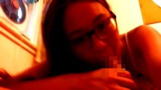 【フェチ系作品】とにかく快活で無邪気な笑顔がキュートな眼鏡娘のエロエロバキュームフェラ&シックスナインを楽しめるメガネフェチ作品_099