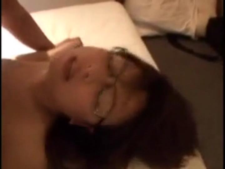 個人撮影 不倫セックスで突かれて絶叫する巨乳人妻